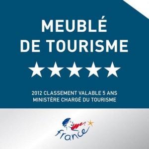 La plaque du meublé de tourisme 5 étoiles